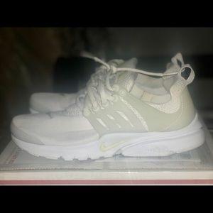 Nike Shoes - NIKE   Presto White